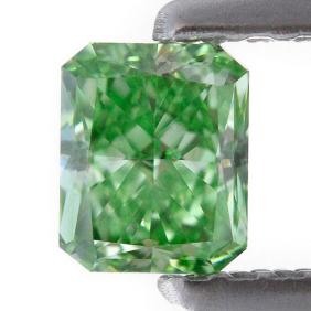 0.42 carat, Fancy Vivid Green, Radiant Shape, SI1 Clarity